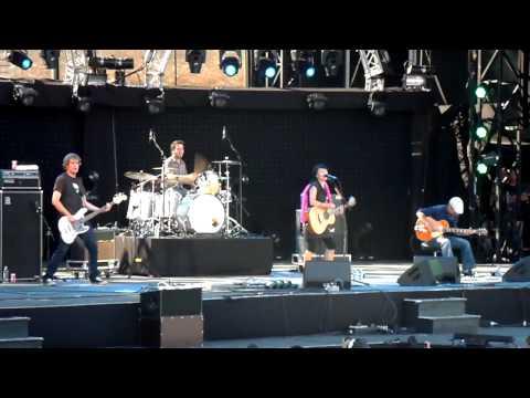 Francofolies 2009 : Pascale Picard Band - Gate 22 ( Live )