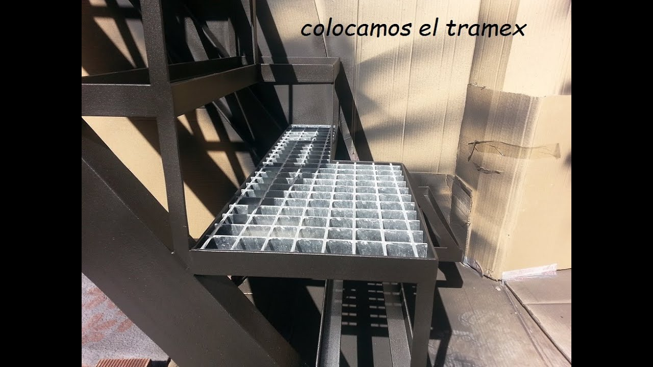 Como hacer una escalera de hierro para espacio reducido for Como hacer escalones