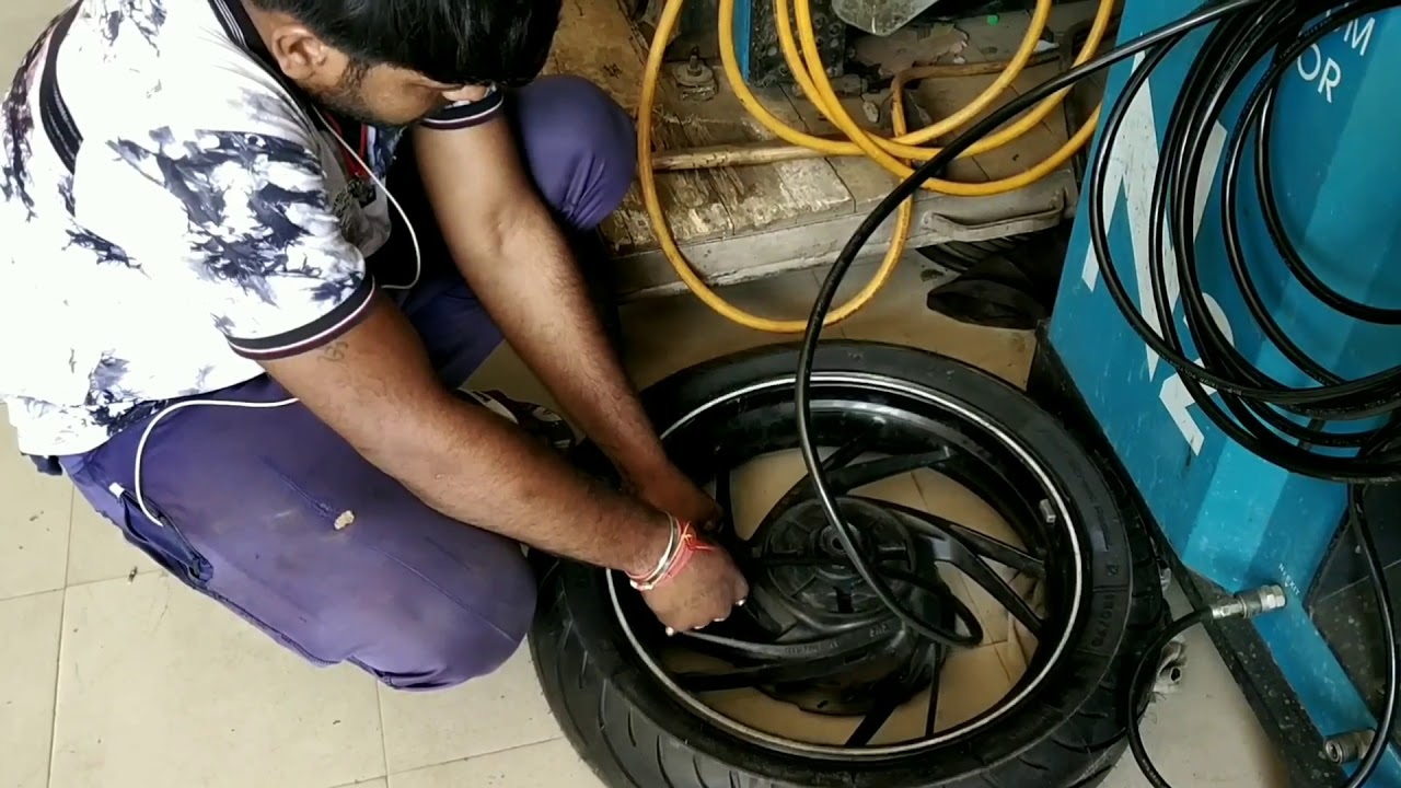 TVS APACHE RTR 200 OWNERS MUST WATCH THIS||NEW TYRES
