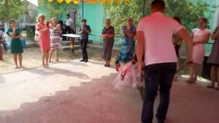 Веселая болгарская  свадьба,  второй день по обычаю. Катание свекрови и тещи.