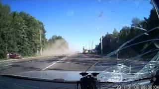 ДТП колесо отлетело в лобовуху ЖЕСТЬ!