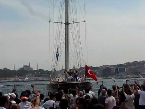 Tall Ship Bodrum leaving Istanbul Port- Boylu Soylu Bodrum teknesi Istanbul'dan avara ediyor