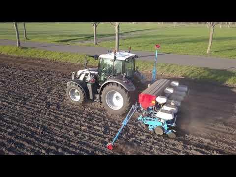 Maïs planten 2021 - Fendt 512 - Hoeve de Heuvel - vleesvee - Parthenaise runderen - Pelt