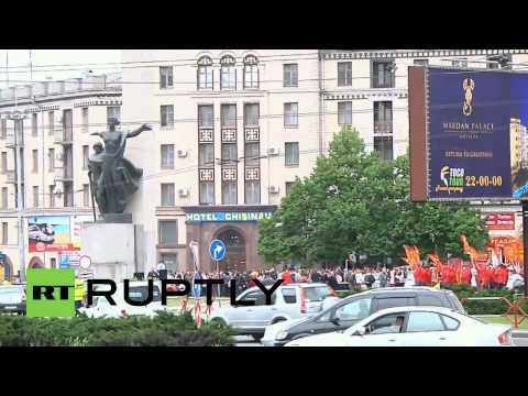 Moldova: Hundreds protest