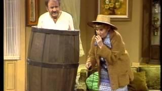 Dean Martin & Kay Medford - Mugged
