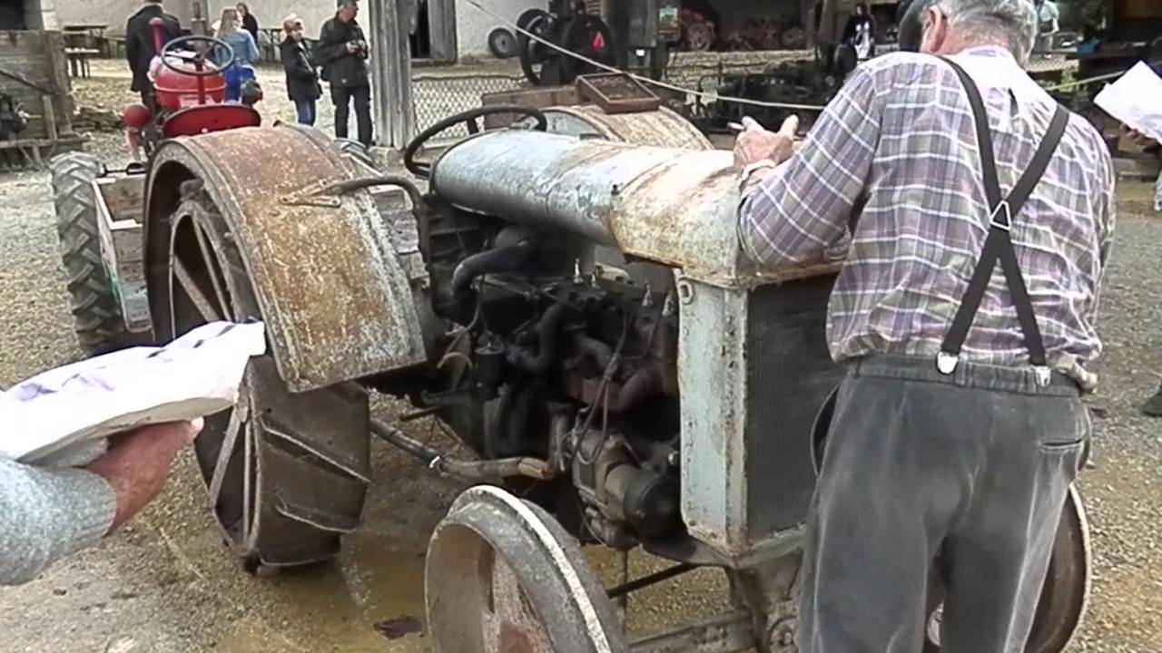 d marrage tracteur ancien fordson f youtube. Black Bedroom Furniture Sets. Home Design Ideas