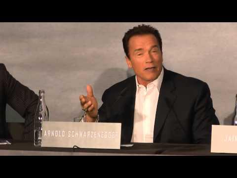 Arnold Schwarzenegger talks about Austria | Köln Hyatt | ENG | 21.01.2013