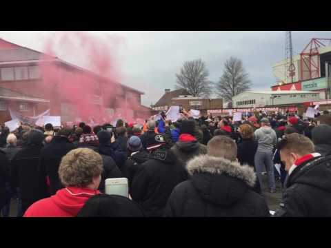 Nottingham Forest Fans Protest Against Fawaz Al Hasawi