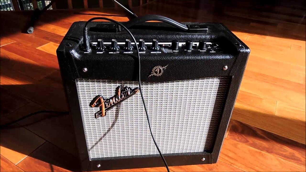 Fender Mustang 1 V2 >> Fender Mustang 1 V2 Amplifier Youtube
