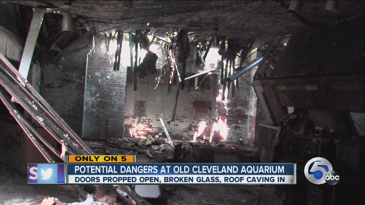Abandoned Cleveland Aquarium Closed 30 Years Youtube