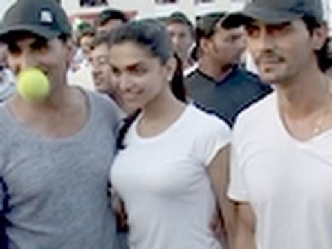 HOT DeepiKa BouncinG BallS with Akshay & Arjun