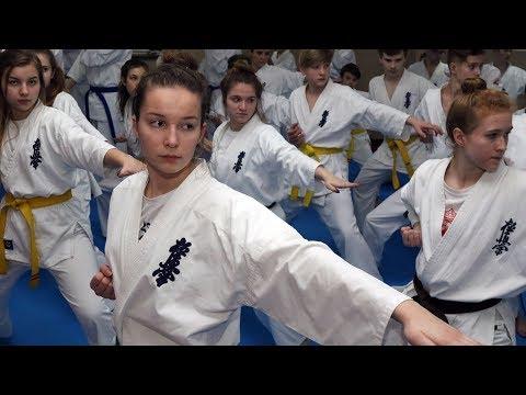 Ostrołęcki Klub Karate Kyokushin szlifuję formę w Zębie