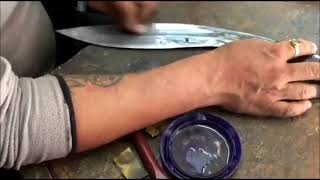 HAND POLISH THE OLD ARMY KHUKURI