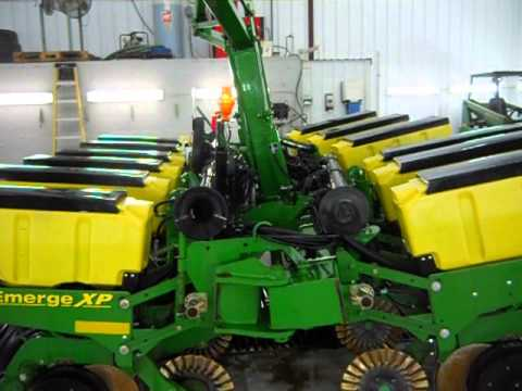 John Deere 1760 12r30 Planter Sold On Els Youtube