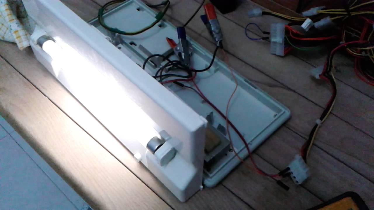 Batterie Per Lampade Di Emergenza Ova.Lampada Emergenza Test Neon Youtube