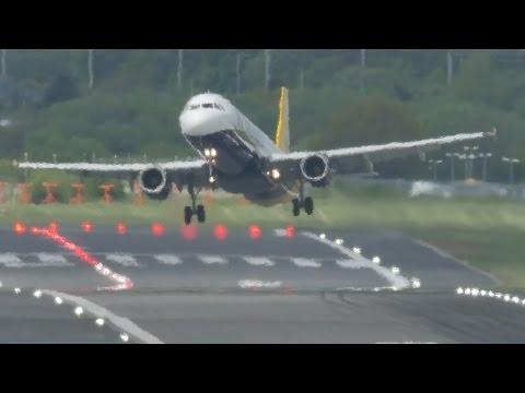 Airbus A321 double go-around