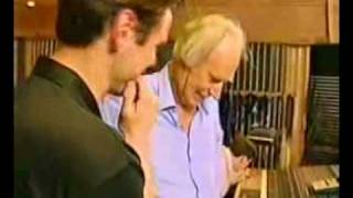 Jim Carrey sings The Beatles song I Am the Walrus.