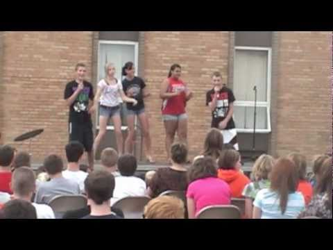 """Ty and Harrison perform """"Teach Me How to Dougie"""" for West Delaware Middle School"""