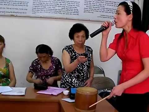 Buổi học hát chèo- Cô giáo Thúy Lụa