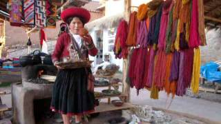 Elizabeth, la reina del marketing en Chincheros-Cusco