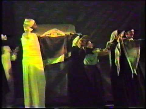 Dana Kelly Heiny As Fruma Sarah In Fiddler On The Roof