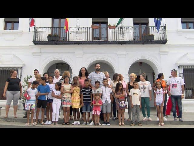 Recepción municipal para los 14 menores saharauis que pasan el verano en Cartaya
