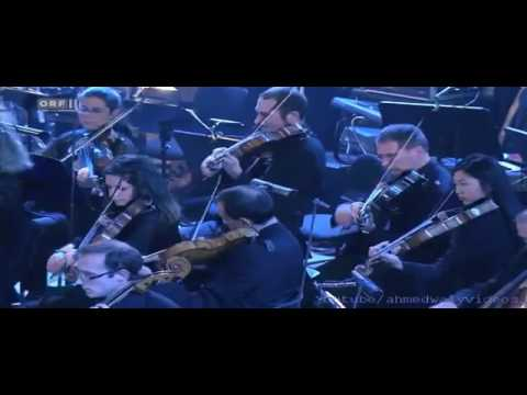 الموسيقار العالمى ديفيد نيومان يعزف موسيقى رأفت الهجان فى النمسا   YouTube