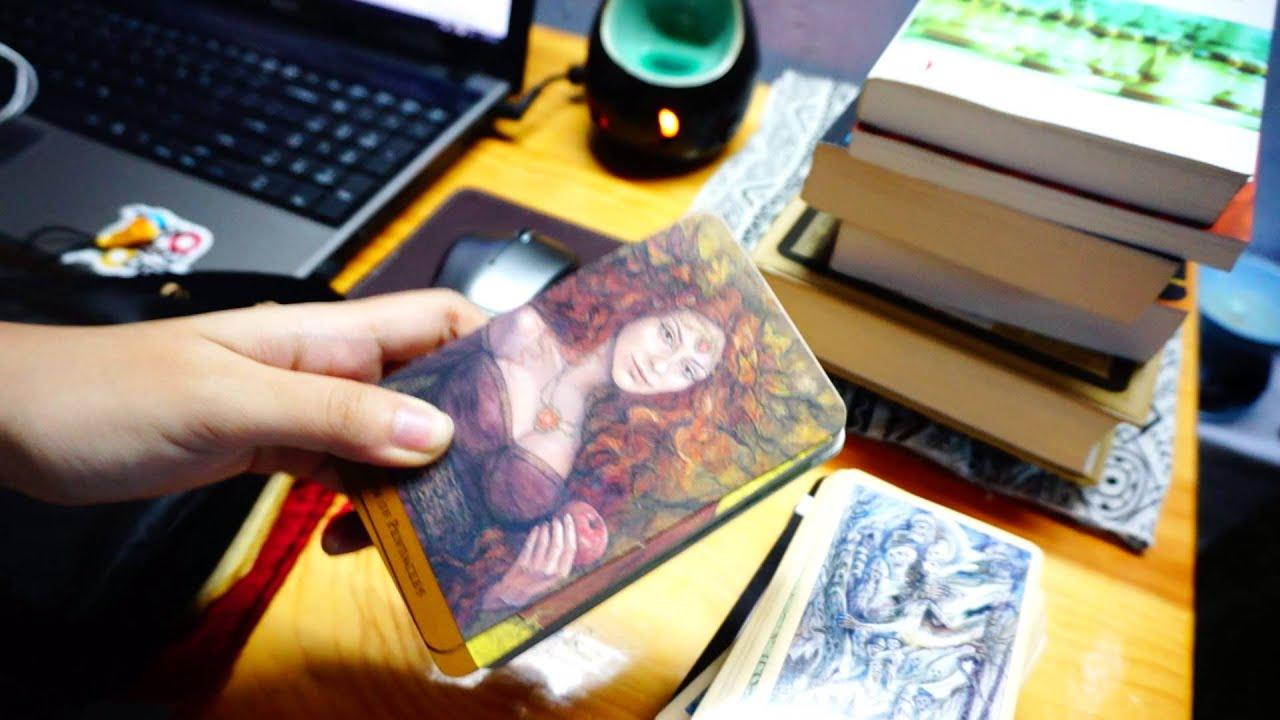 Cách bảo quản bộ bài Tarot của bạn