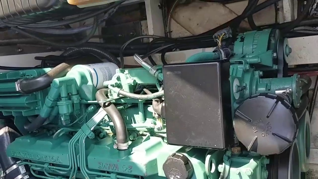 hight resolution of kad44 volvo penta 265hp marine engines running prior to removal from boat