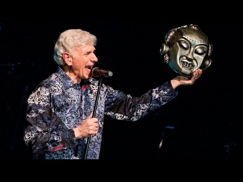 Dennis DeYoung Roasts His Former Band Mates Again