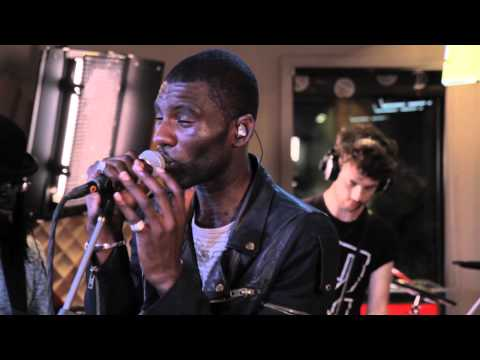 Wretch 32 - Don't Go (Live on Roland Sessions)