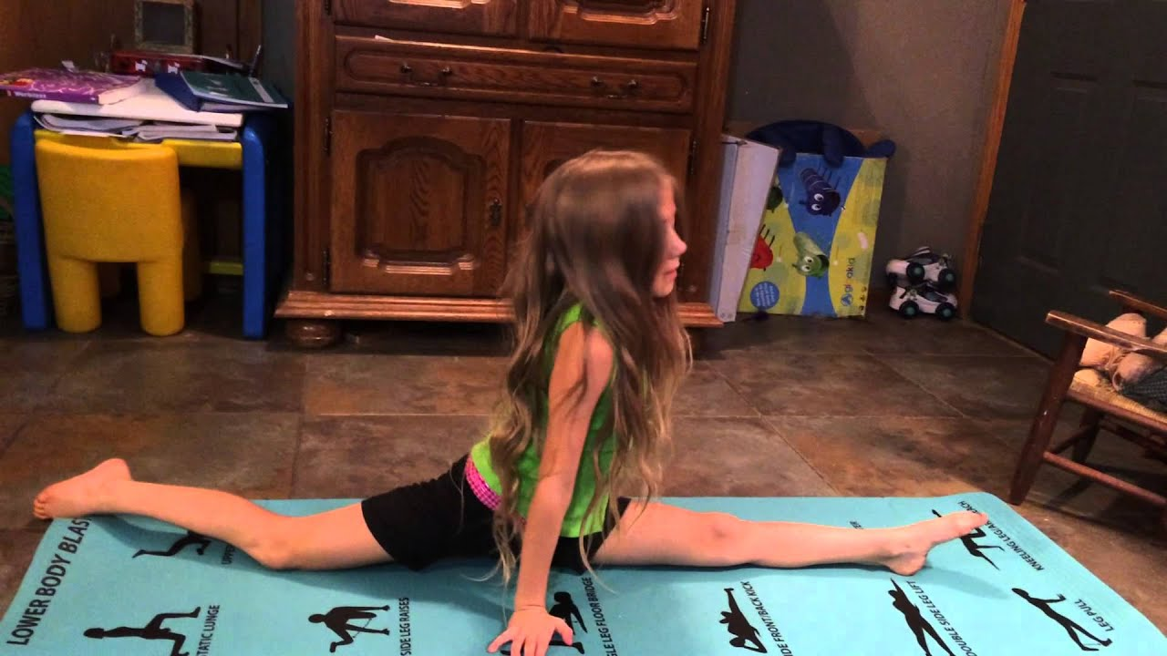 CHEER & DANCE STRETCH SPORTS STRETCHING ABS YOGA WORKOUT GYM ROUTINE KIDS SPLITS