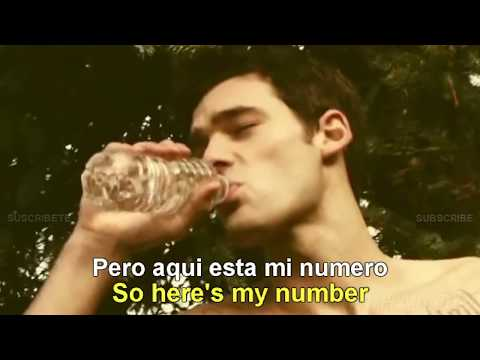 Carly Rae Jepsen - Call Me Maybe [Lyrics English Español Subtitulado]