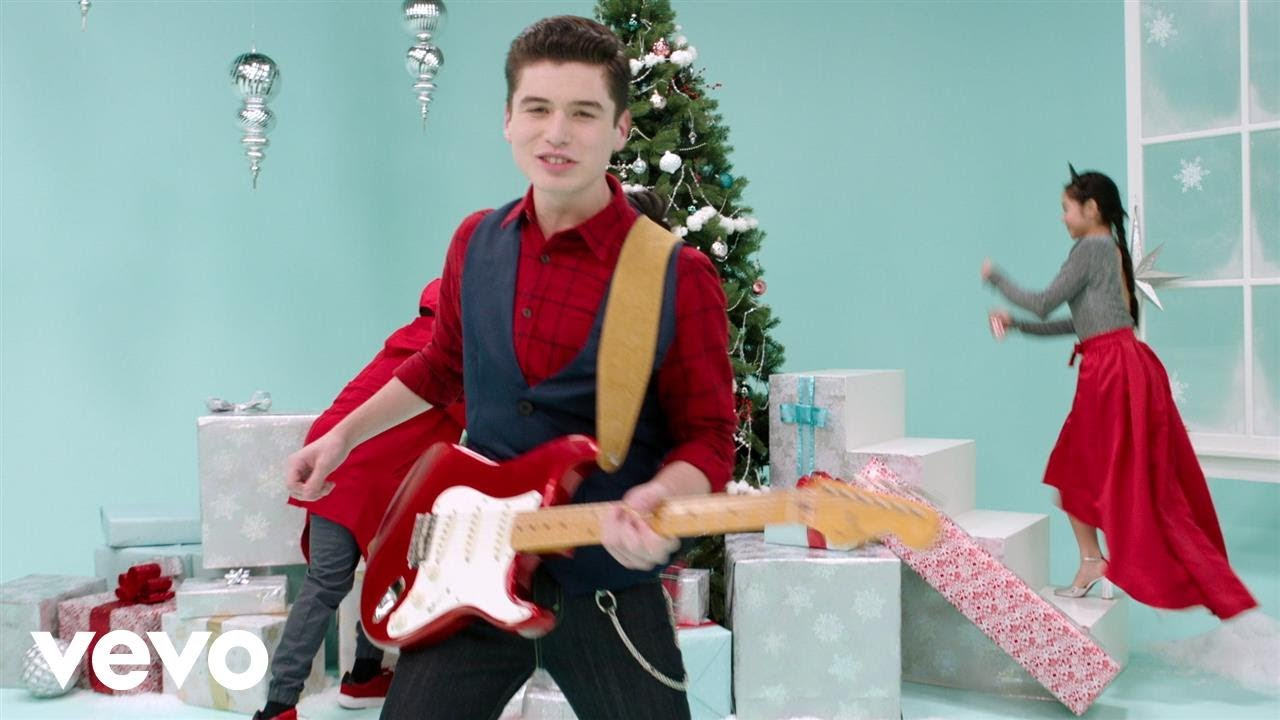 """Club Mickey Mouse – When December Comes (From """"Club Mickey Mouse""""/Official Video)"""