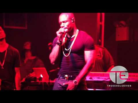 Tank & Lonny Bereal Sing Their Asses Off On