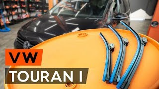 How to replace Wiper blades on VW TOURAN (1T3) - video tutorial