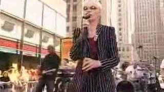 Annie Lennox Loneliness Live On The Plaza, New York City 2004