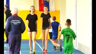 В Саяногорске открыли крытый легкоатлетический манеж