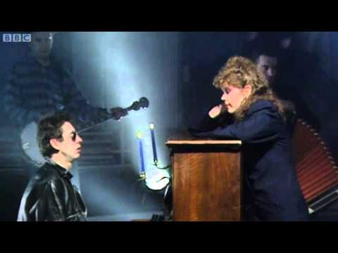 Fairytale Of New York - The Pogues & Kirsty MacColl - Top Of The Pops