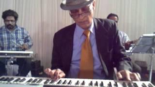 Awaaz Deke Humein Tum Bulao : Professor (1962) : performed by COL CHAKRAVARTI - Keyboard Artiste