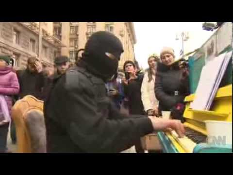 Ukraine's Piano Man Strikes Chord at Protests