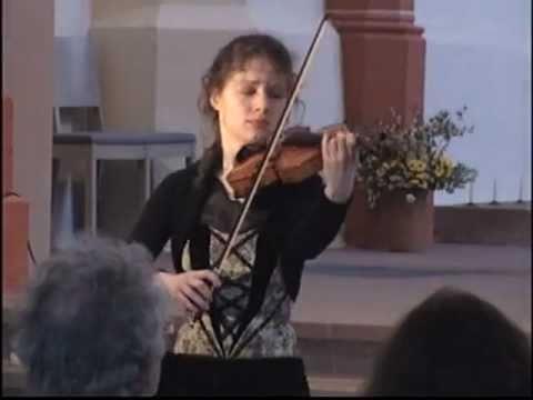 Caroline Adomeit plays Bach - Gigue