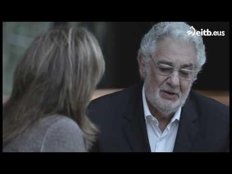 Plácido Domingo se emociona al recordar a su madre
