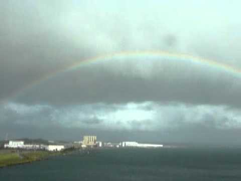 台風15号前の虹の全景