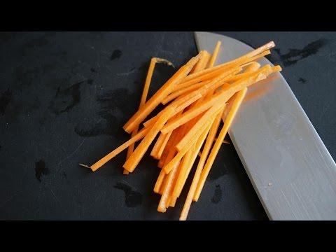 tailler-une-carotte-en-julienne