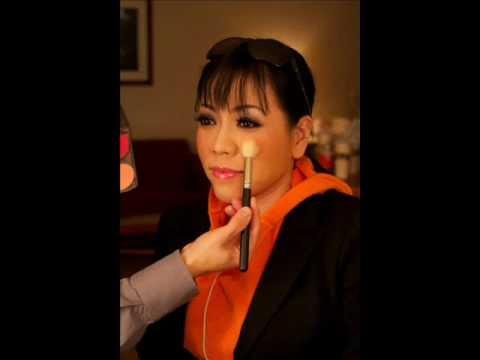 Que Huong Bo lai Bich Thao.