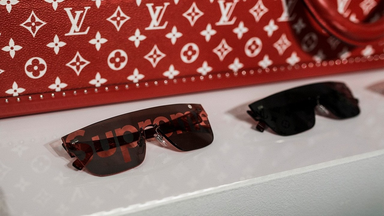 Watch Now Supreme X Louis Vuitton Wallpaper Youtube