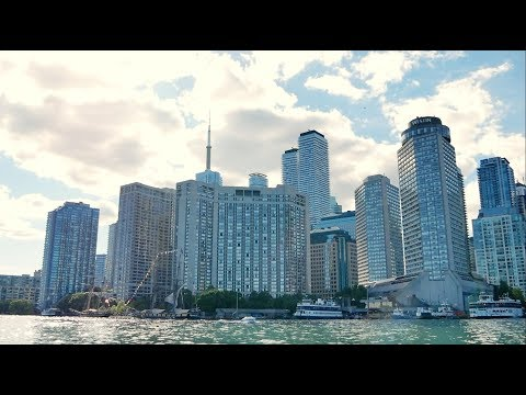 The WESTIN Harbour Castle Hotel in Toronto Downtown with view on Ontario Lake