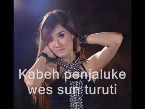 Dangdut Indonesia -lirik  salah tompo   nella kharisma feat gerry Mahesa