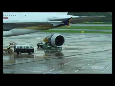 Airbus A380 Engine Change - Singapore Airlines